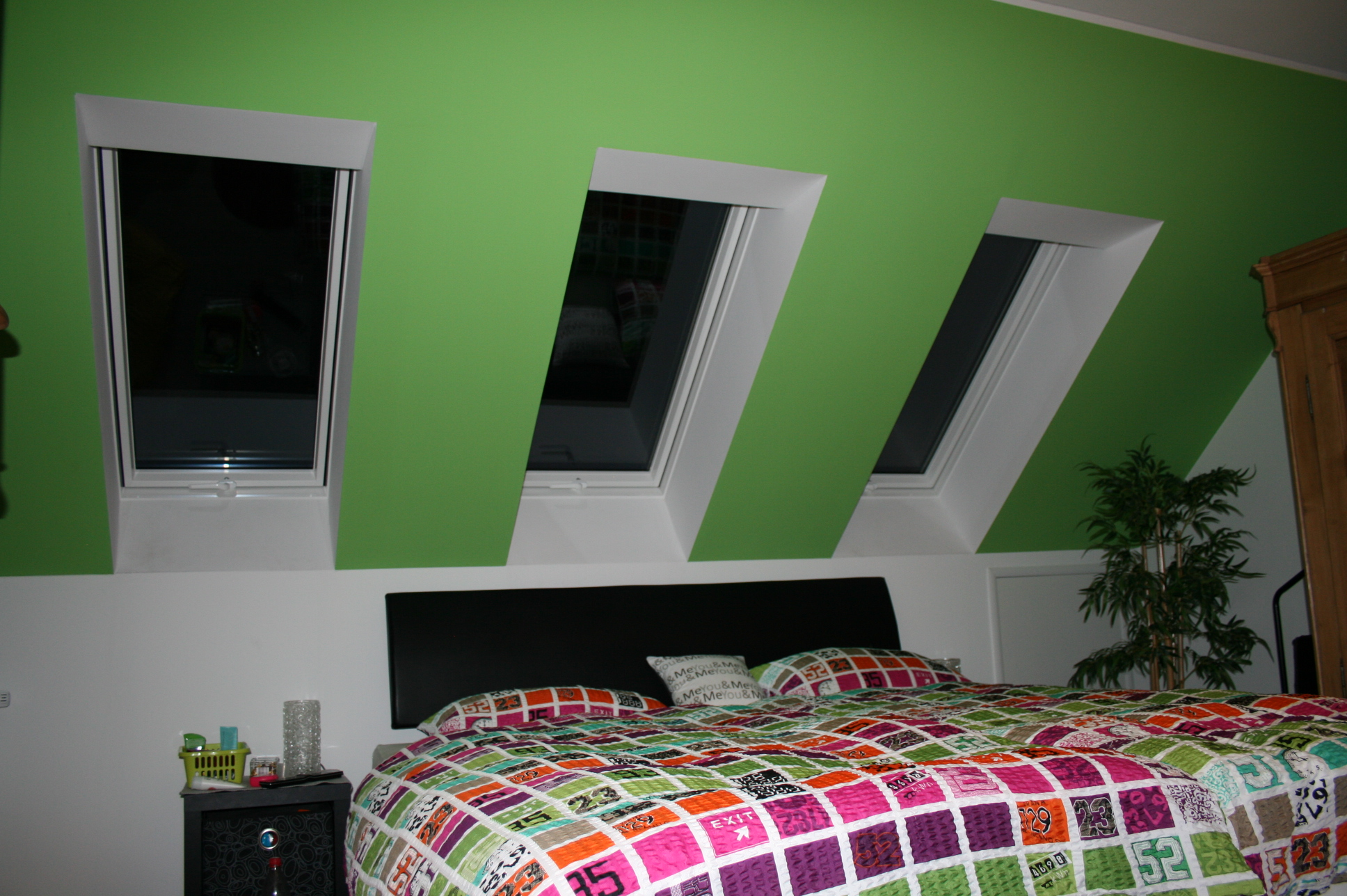 schlafzimmer farbig gestalten. Black Bedroom Furniture Sets. Home Design Ideas